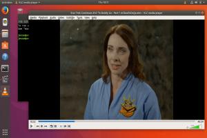 ubuntu-17.10-totem-vs-vlc.png